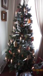 """<img src=""""Civil War Christmas tree Union Room.jpg"""" alt=""""Civil War Christmas tree Union Roomjpg"""">"""